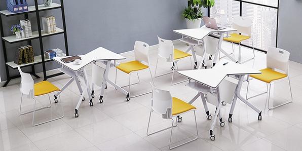 智慧教室梯形桌椅实拍图1