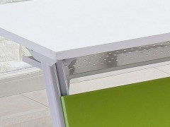 学校智慧教室课桌椅细节1