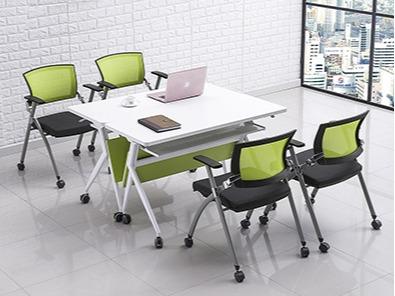 学校智慧教室课桌椅实拍组合4