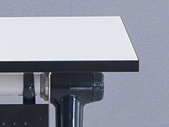 学生课桌椅厂桌子细节展示1