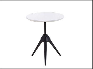 学校休闲室桌椅实拍图3
