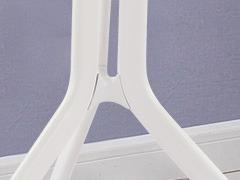 学校休闲区桌椅细节展示3