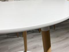 学校公共休闲区桌椅细节展示1