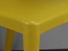 高校食堂餐桌椅细节展示3