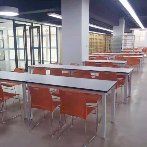 学校饭堂桌椅案例图1