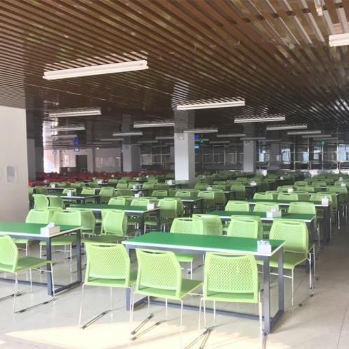 学校餐厅食堂桌椅案例图1