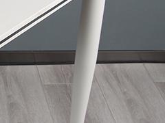 录播室桌椅细节展示2