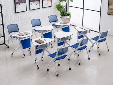 智慧课堂桌椅实拍场景3