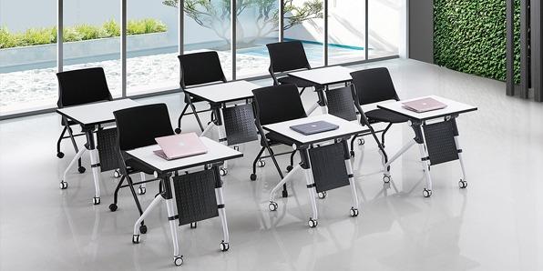 学生课桌椅厂桌子的实拍图2