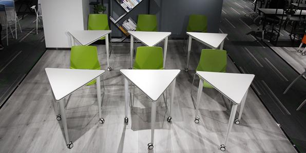 拼接教学课桌椅实拍图1