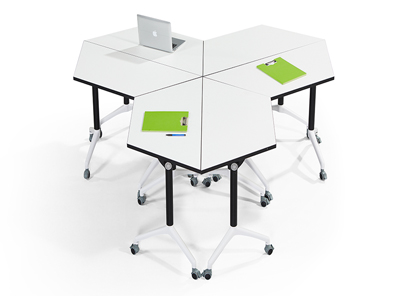 学校录播室课桌椅造型组合5