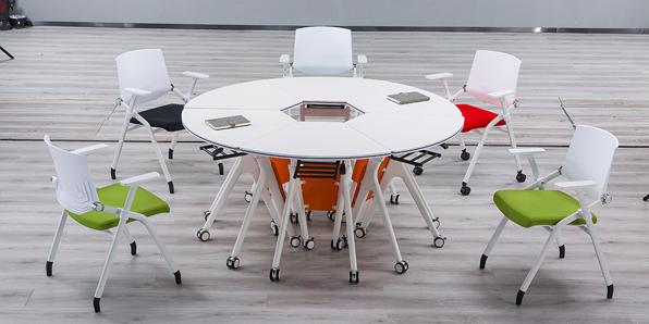 智慧课室桌椅实拍场景2