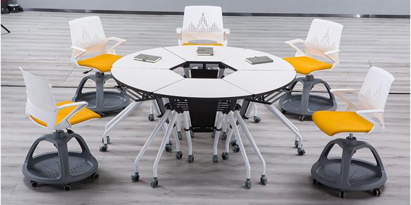 创客教室课桌椅定做厂家实拍场景2