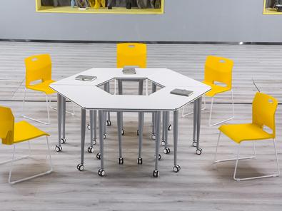 多功能大学教室课桌椅场景展示4