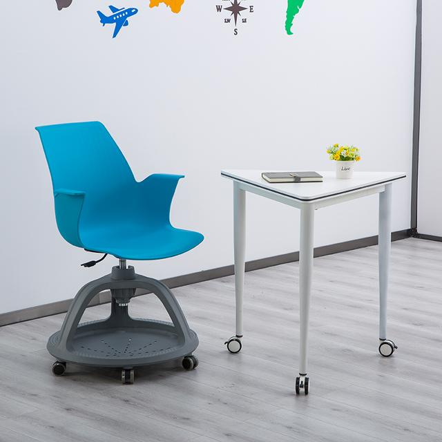 拼接教学课桌椅不同角度2