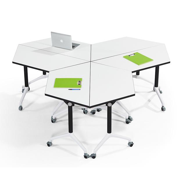 学校录播室课桌椅不同角度3