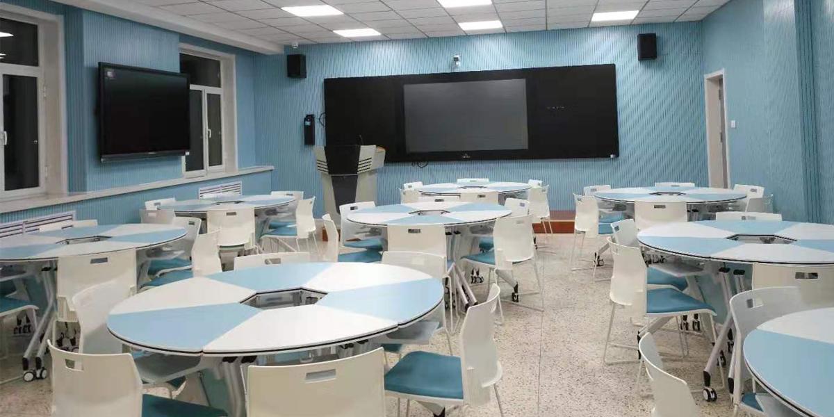 高校智慧教室桌椅案例