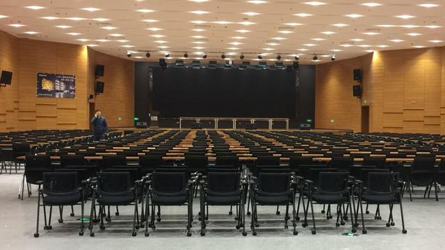 北京大型培训机构桌椅