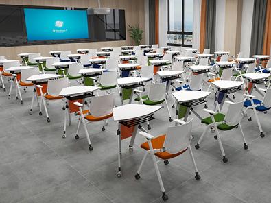 智慧教室课桌椅实拍场景4