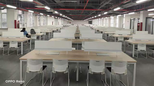 工业风学校图书馆桌椅案例