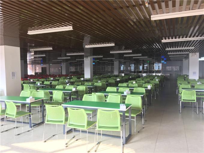 学校饭堂桌椅