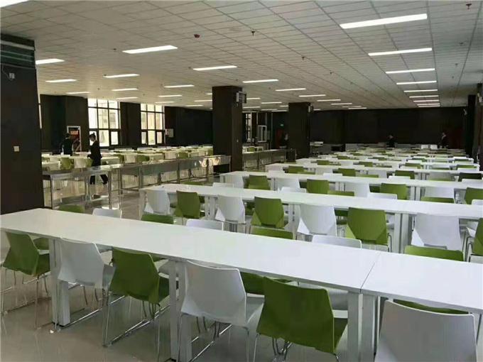 学校食堂餐厅餐桌椅