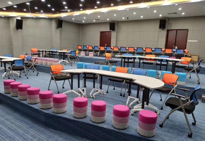 学校多媒体会议室拼接桌椅