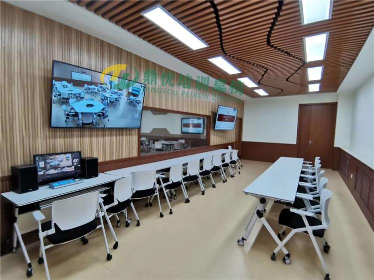 标准型智慧教室桌椅案例